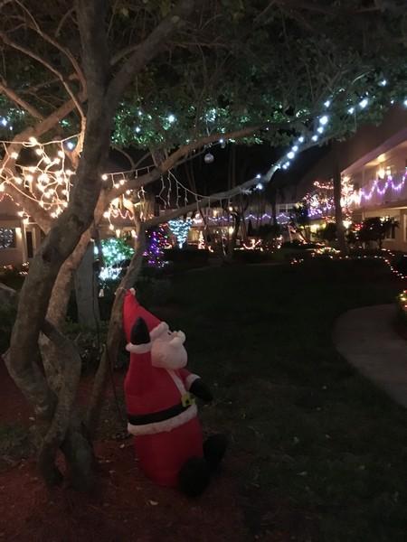 the long bayou courtyards christmas lights 2015 - Long Christmas Lights